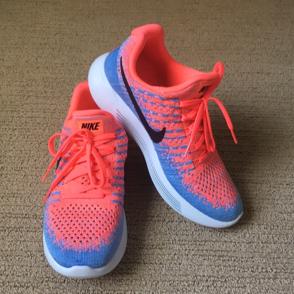 97dc8059612 NWOT Nike Lunarlon Run Easy shoes. M 5af1eaa9077b972b90d46baa